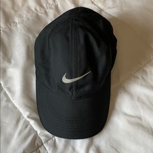Nike Featherlight / Dri-Fit hat